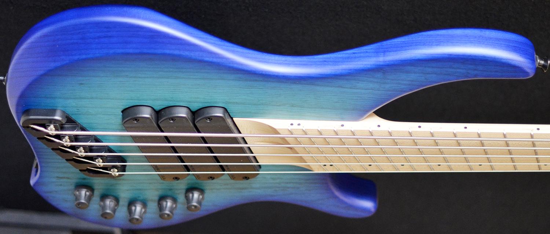 Dingwall ABZ 5/3 string - Whalepoolburst, Darkglass eq Dingwall Bass ...