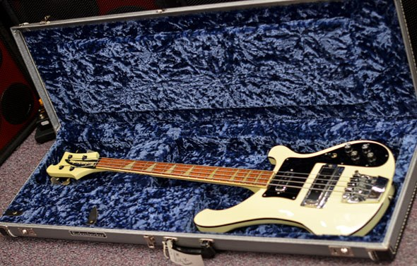 rickenbacker 4001 bass 1982 white second hand and ex demo bass guitar stock bass direct. Black Bedroom Furniture Sets. Home Design Ideas